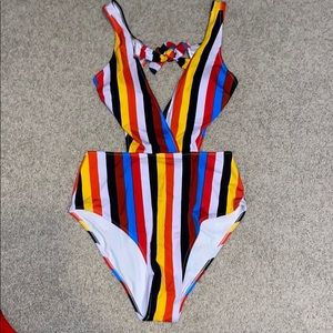 Cupshe One-Piece swimsuit with cutouts